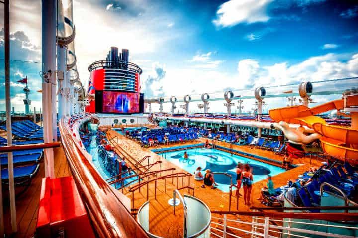 Entretenimiento a bordo. Foto Crucero Click