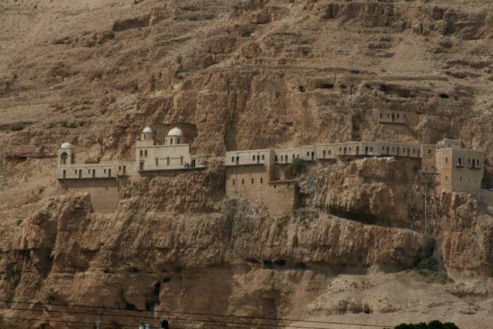 Ciudades más extremas para vivir Foto Monasterio de la Tentación