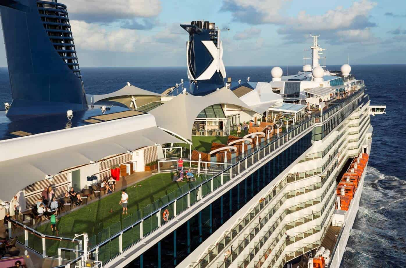 Lujoso crucero Celebrity Constellation. Foto: Covington Travel