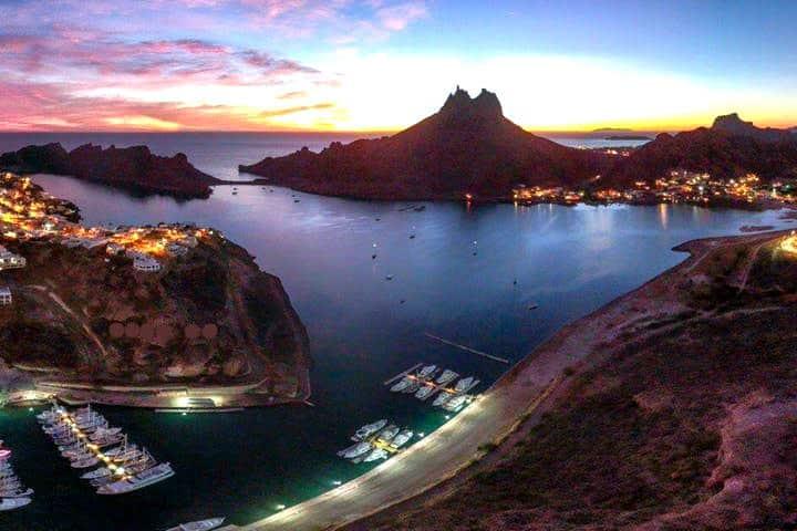 Guaymas el desierto, el mar y la montaña en un solo paisaje. Foto Corina Sail