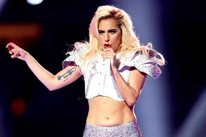 Lady Gaga nacida para vestir valiente Foto Rock and pop