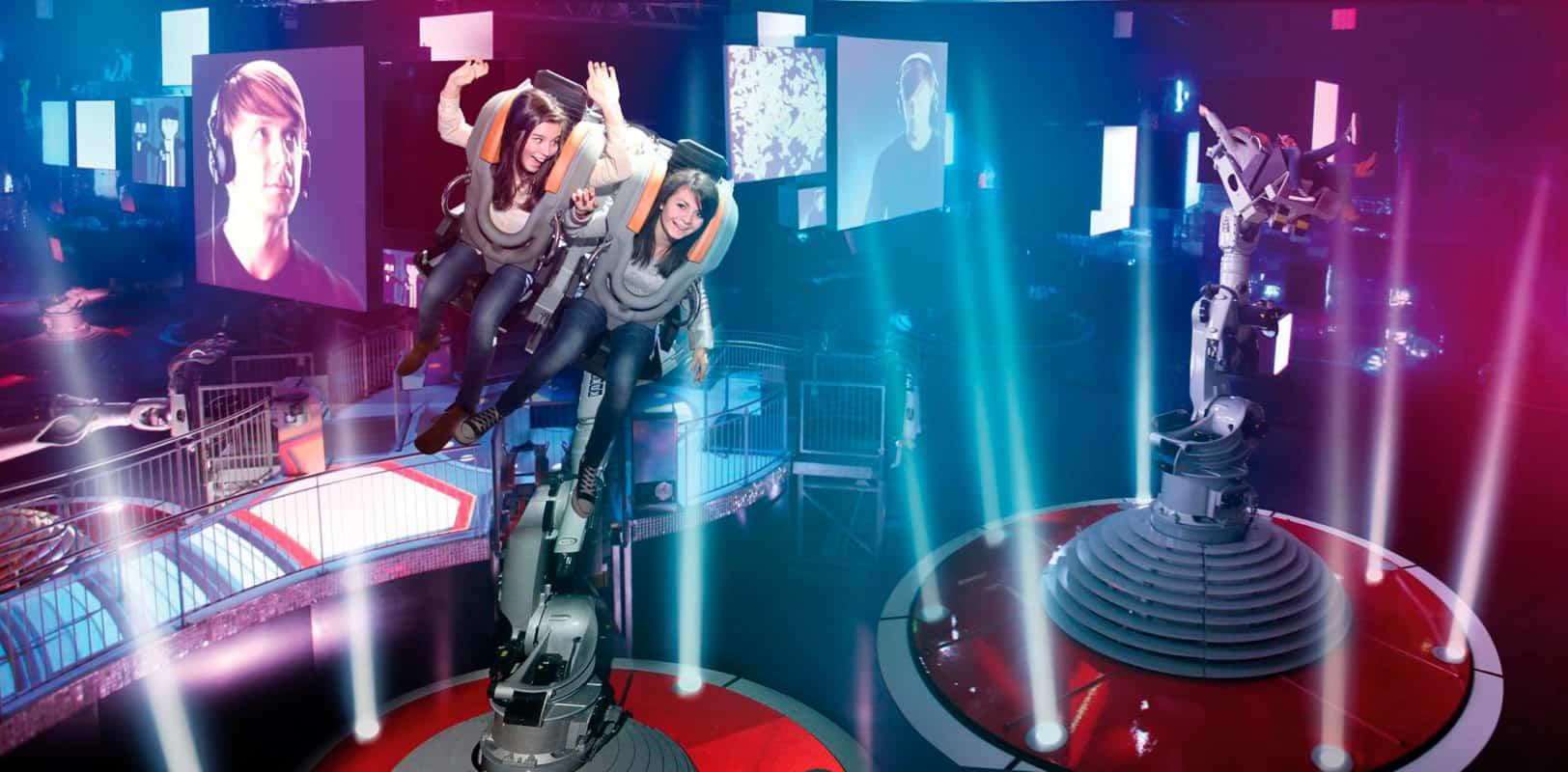 Bailando con los robots en el parque Futuroscope. Foto: PA-Community