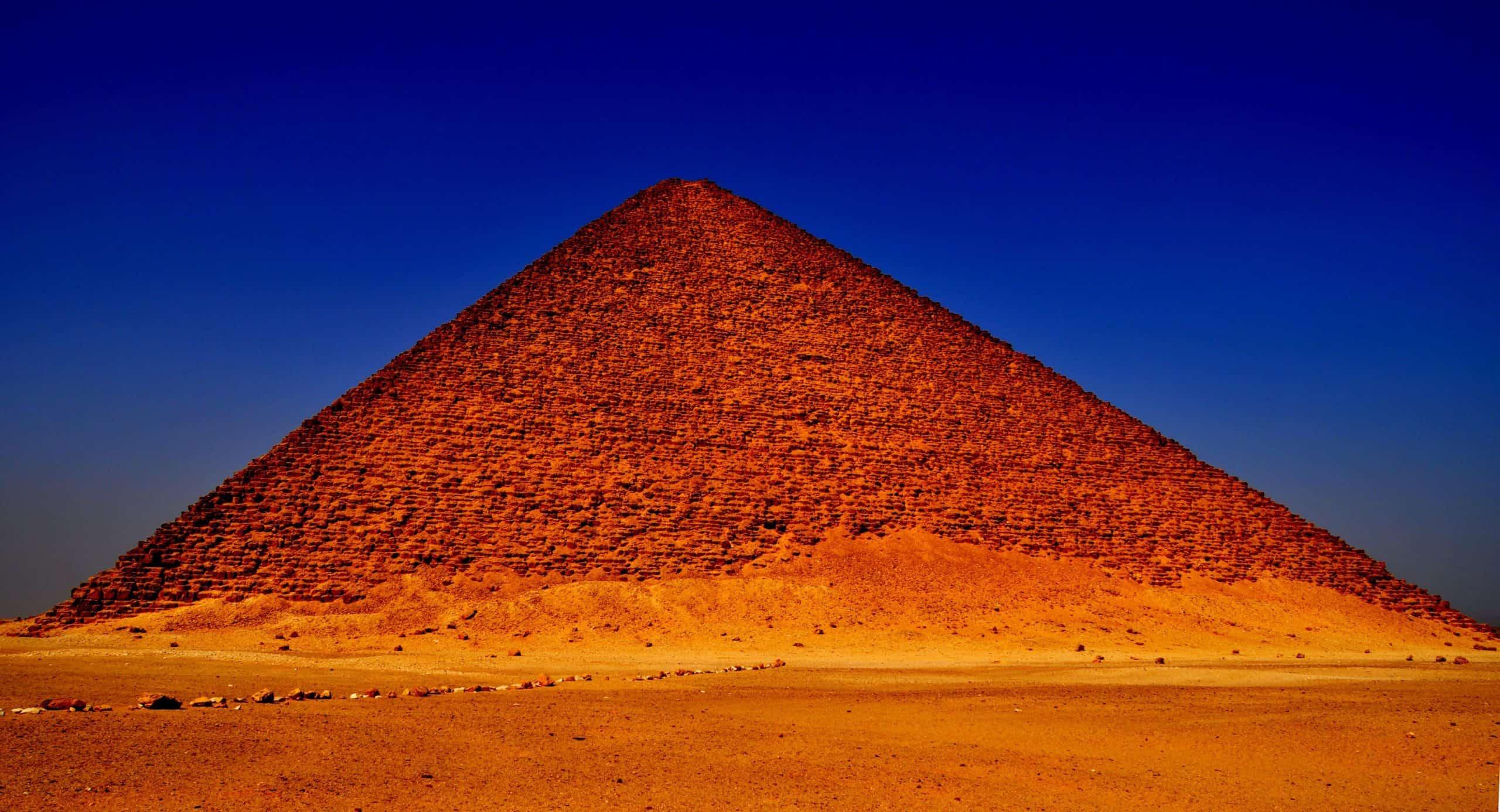 Pirámide Roja. Foto: Radio Viva 24