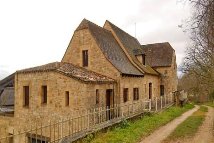 Pueblos Mágicos en Francia. Foto Sobre Francia