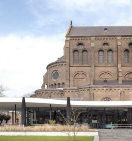 La iglesia que se convirtió en biblioteca Foto.Hollan.com