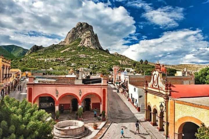 Peña de Bernal. Queretaro. Foto. Bruissan Travel