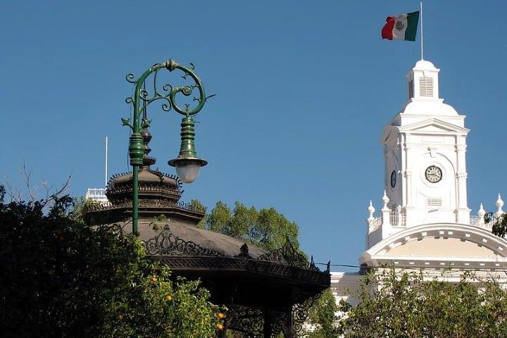 Plaza Zaragoza. Palacio de Gobierno Hermosillo