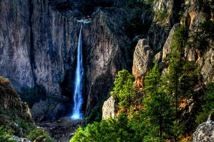 Cascada Baseasachi Foto Comisión Nacional de Filmes