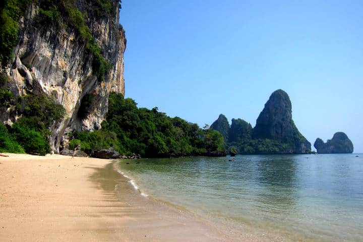 Playas escondidas en una península rodeada de selva Foto Fabulousfabs