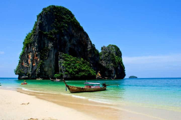 Playas escondidas en una península rodeada de selva Foto Mark Fischer
