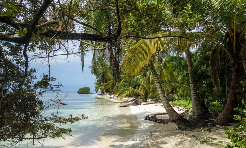 San Blas, el archipiélago donde se grabó la premiada serie española Casa de Papel Foto. Pixabay