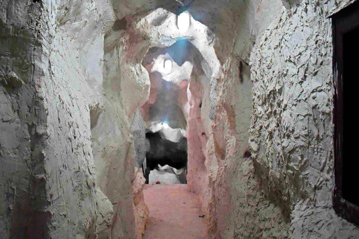 La entrada-a-la-expedición-Museo-del-Ópalo-Foto: Vallarta-Lifestyle-3