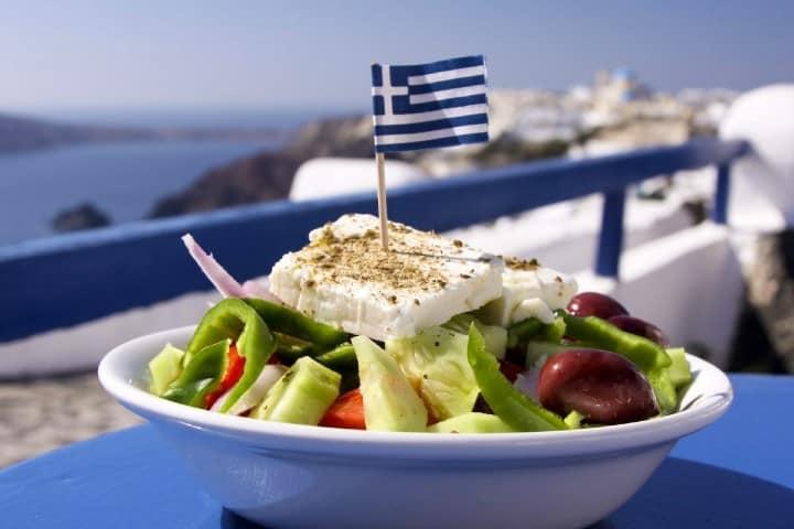 No-dejes-de-probar-los-platillos-típicos-Curiosidades-de-Grecia-Foto-Lugarnia-4