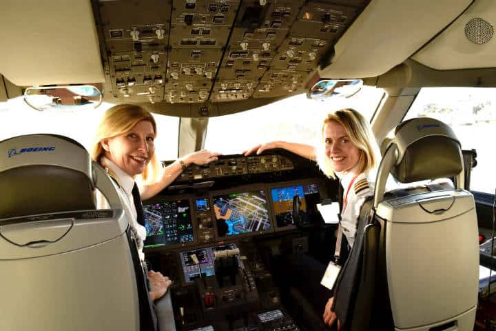 Air Canada beca a futuras pilotas aviadoras Foto CNW Group