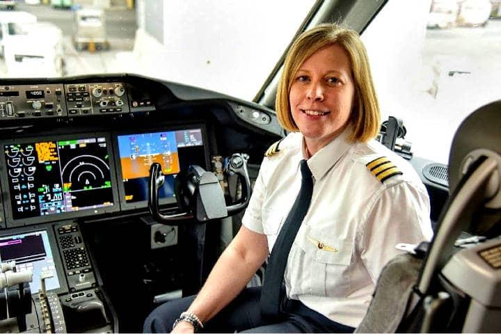 Air-Canada-beca-a-futuras-pilotas-aviadoras-Foto-PAX-News-3