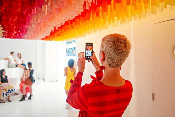 Color Factory instagramers en Nueva York Foto Design Mom