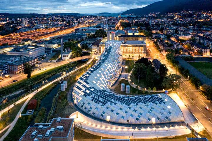 Edificio de Swatch en Bienne,Suiza Foto World Architecture