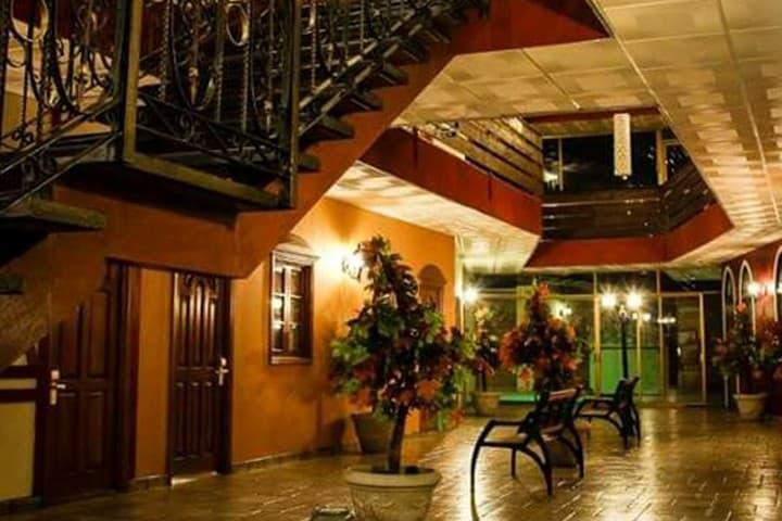 Foto Hotel La Mansión Suiza Ag. Fb.