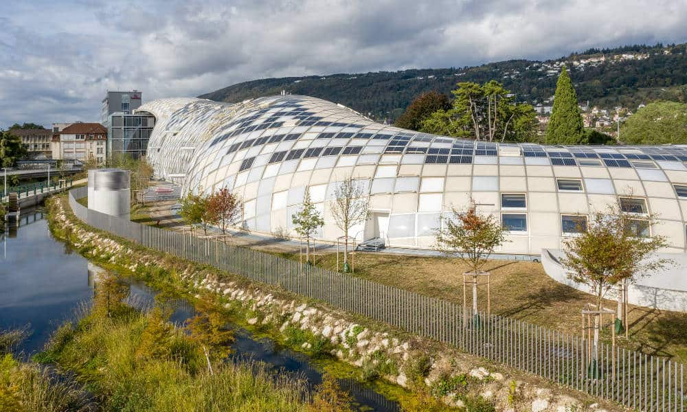Edificio de Swatch en Bienne,Suiza Foto. Swatch Ltd.