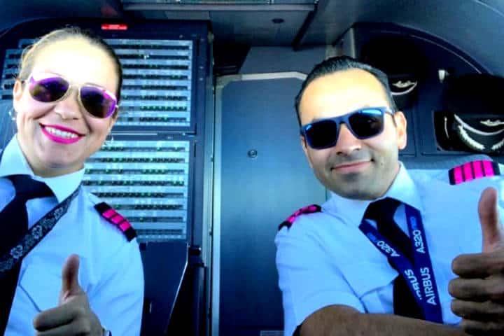 Viva Aerobus se pinta de rosa Foto Transponder
