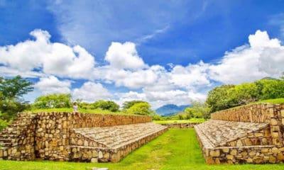 zona arqueológica de Tehuacalco Guerrero