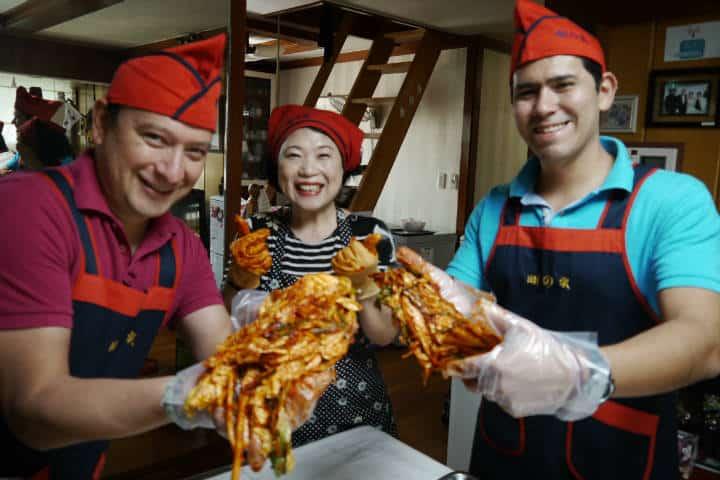 Kimchi cocinar con familia coreana 18