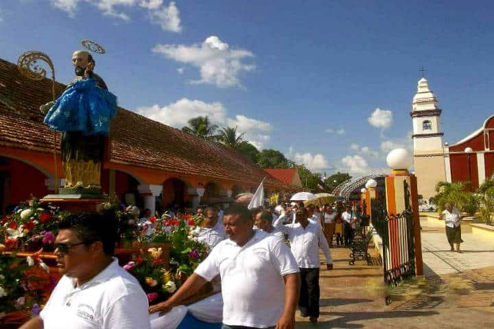 La bajada del Señor San Joaquín. Foto Arte Sacro en Yucatán