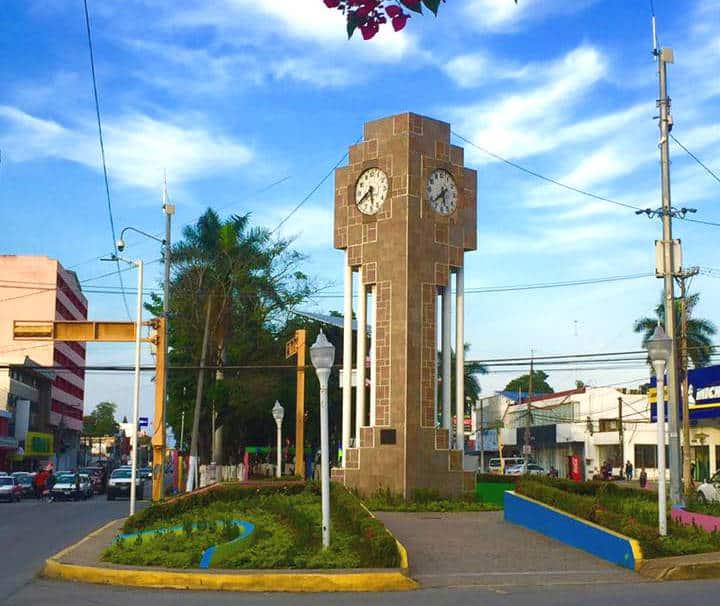 Reloj de la Paz Poza Rica Foto Daniel Molina FB