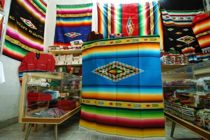 Los-zarapes-son-de-verdadera-cultura-Foto-El-Herlado-Saltillo-8