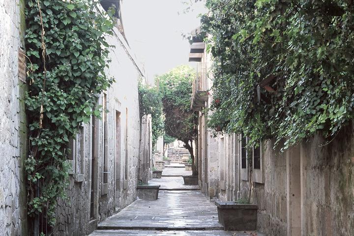 Callejon del Romance, Morelia. Foto Roberto Barnard.