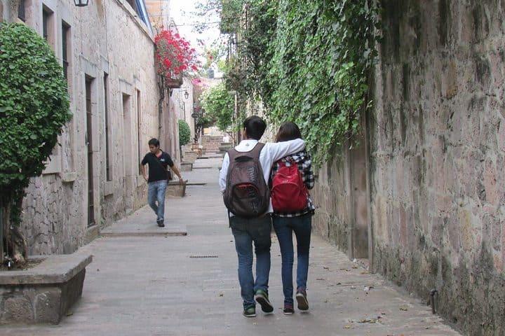 Callejon del Romance, Morelia. Foto Sftrajan.