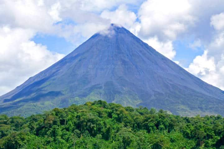 Costa Rica para hacer turismo de naturaleza Foto Bernal Saborio
