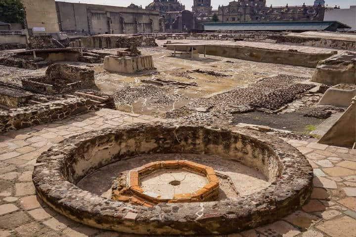 Zona-arqueológica-Kilómetro-cero.-Para-conocer-la-Ciudad-de-México.-Foto-Artesanomx-3