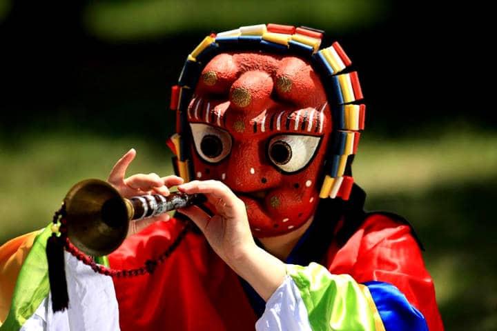 Máscaras coreanas Foto KTOLA em Portuguese