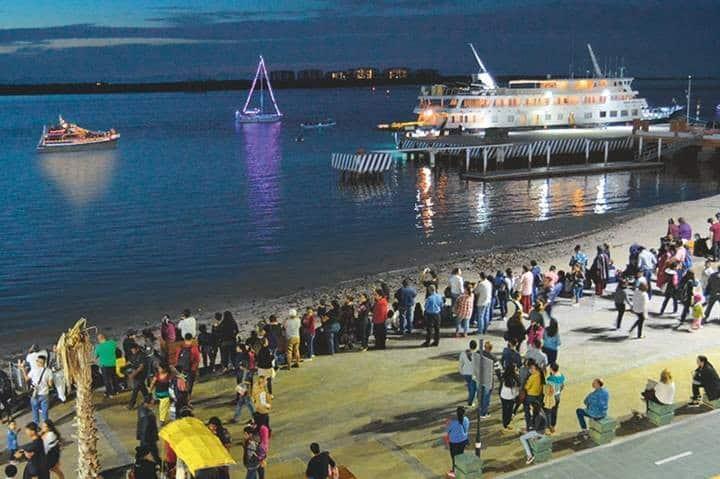Desfile Náutico para el Avistamiento de ballenas en Ensenada. Foto: El Sudcaliforniano.