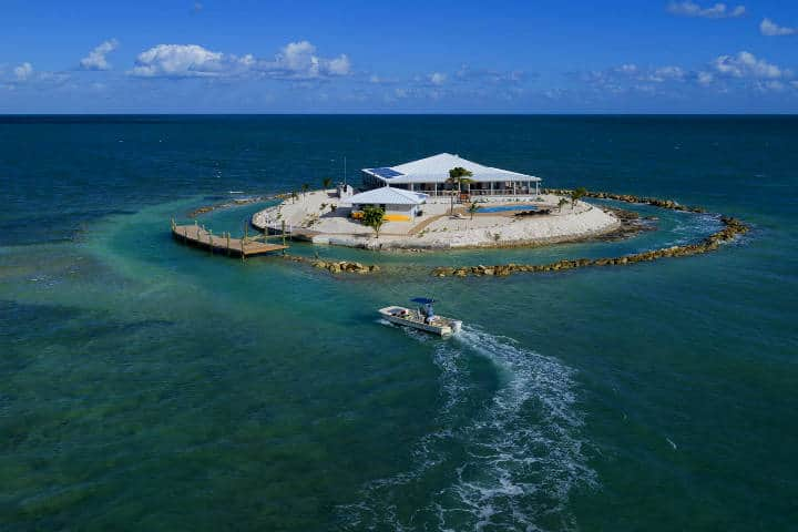 Islas que se pueden rentar para vacacionar. Isla privada en Marathon. Foto: Coastal Living