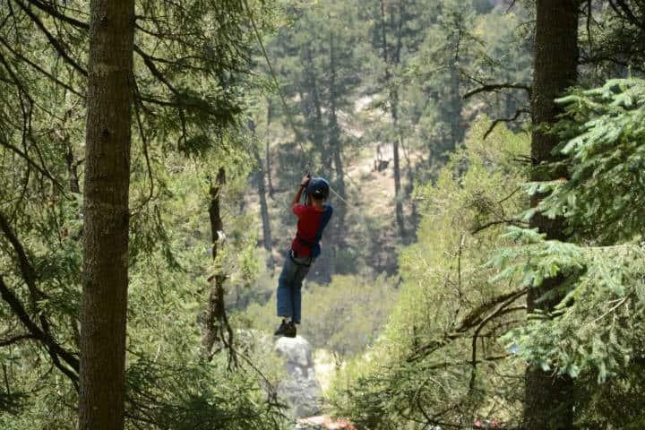 Parque Nacional Peñas Cargadas. Tirolesa. Foto: Lalo Gil