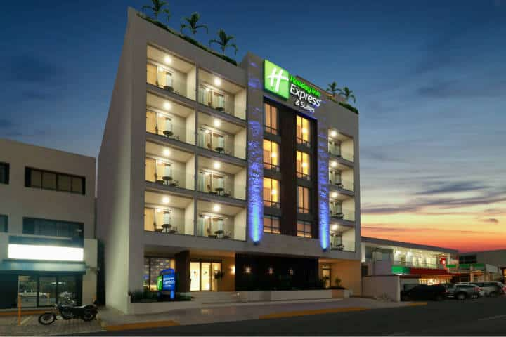 Fachada del Hotel Holiday Inn Express Foto HIE&SPC