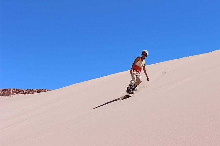 sandboard en desierto de atacama. Foto San pedro de Atacama jpg