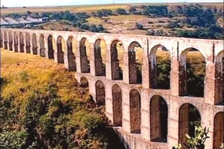 Acueducto Xalpa. José SA