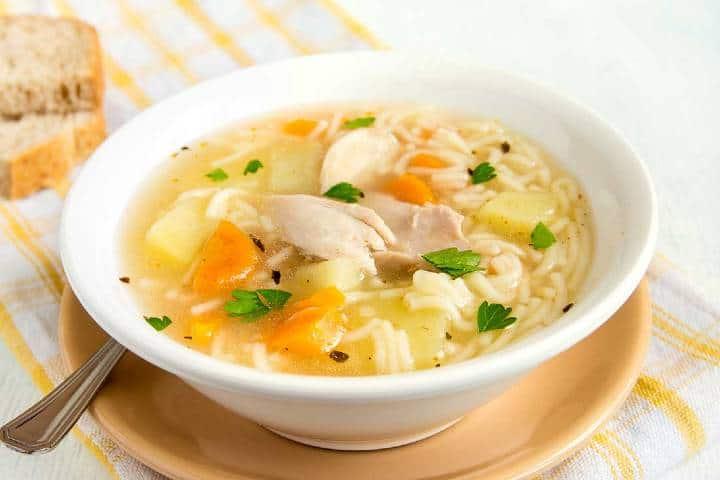 Caldo de Pollo. Foto Cocina Vital