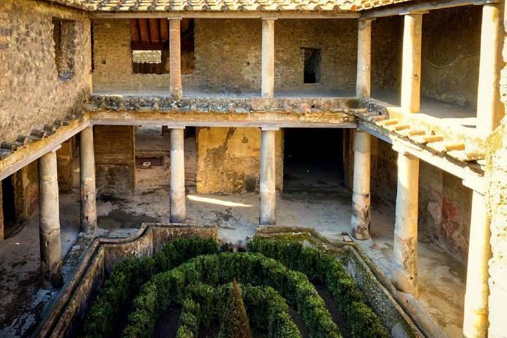 Foto Pompeya: un sueño bajo el volcán
