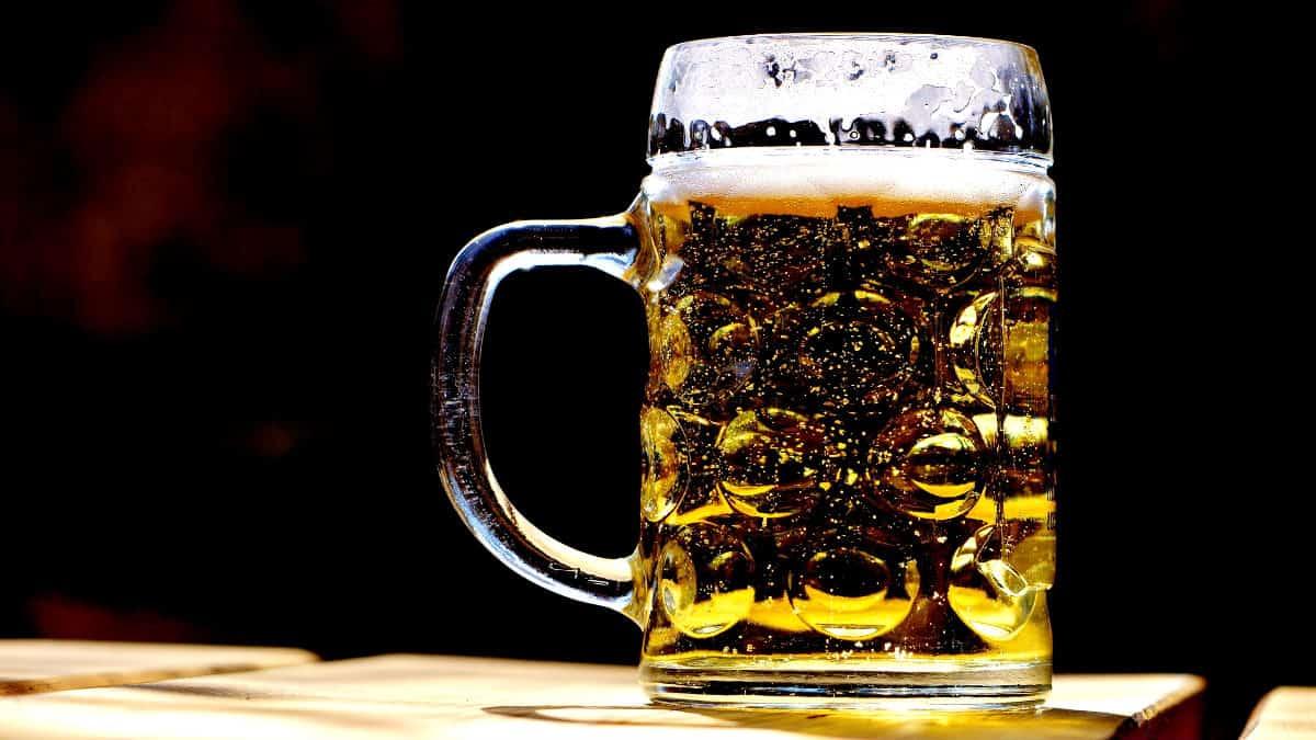 Fuente de cerveza en Eslovenia. Foto Alexas_Fotos