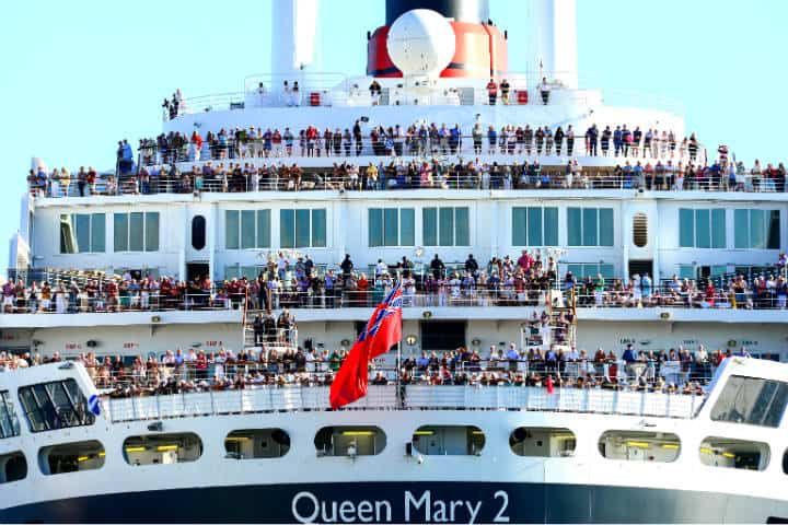 Queen Mary 2 Foto Chris Phutully