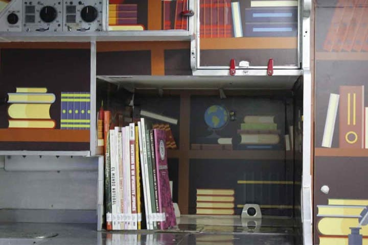 Espacios en la biblioteca Foto @ClaraBrugadaM. Twitter