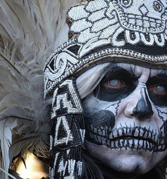 Festival de Día de Muertos Portada Foto Rosemary Miklitsch