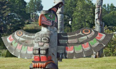 Portada. Totem con jefe y águila. Canadá. Foto A. Davey 1