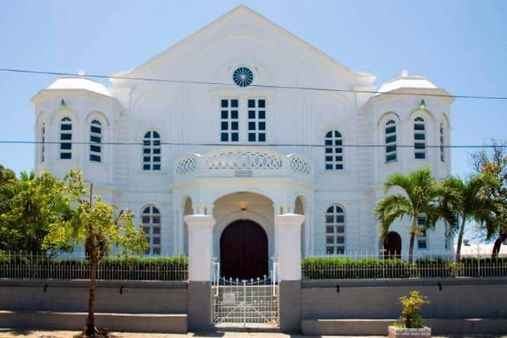 Sinagoga Shaare Shalom en Kingston, Jamaica Foto: Jamaica Tourist Board