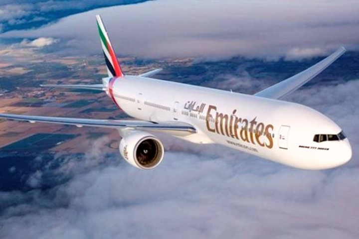 Tripulación femenina en Emirates.