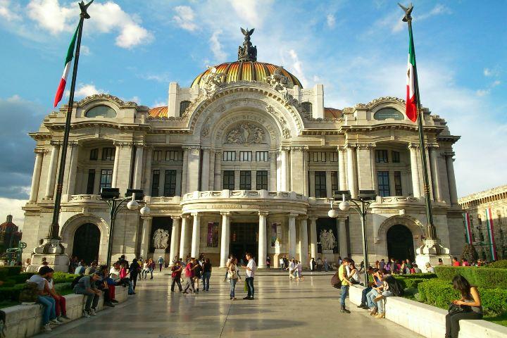 Vida de peatón Foto: Museo de Bellas Artes